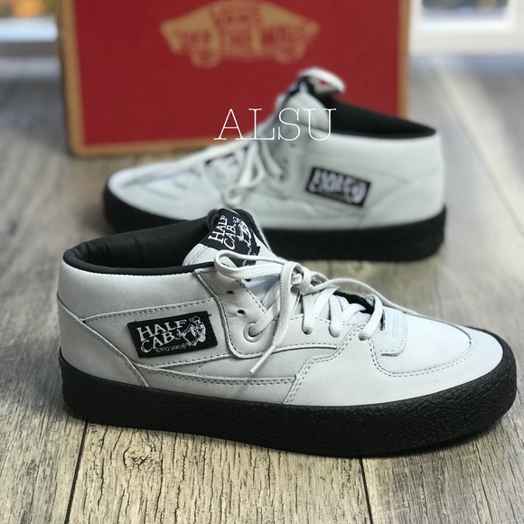 9fb63c7fdc28bb NWT VANS Half Cab Dx Crepe Glacier Gray W AUTHENT